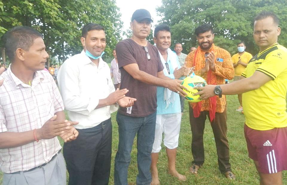 दमौलीमा क्लवस्तरीय फुबटल प्रतियोगिता शुरु